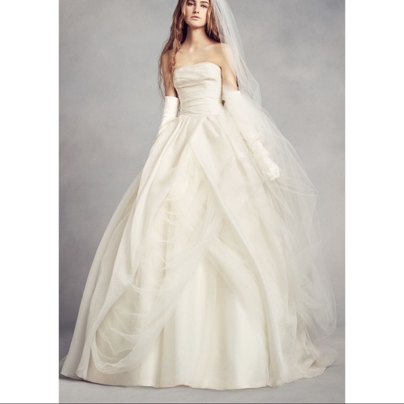 Vera Wang White Textured Organza Wedding Dress